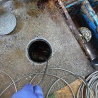 排水管清掃作業中